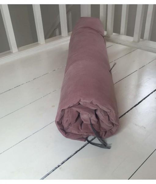 rosa futon