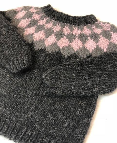 little village people rosa harlekin trøje